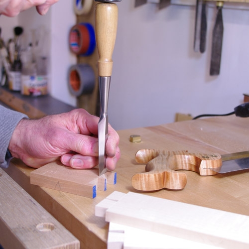 Cutting Dovetails - Chisel 1
