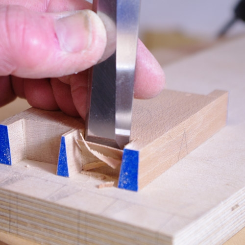 Cutting Dovetails - Chisel 2
